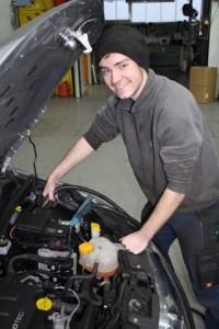 Auto Hirsch fremdstarten überbrücken Batterie defekt